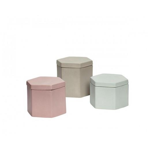 3 dåser i porcelæn med låg i farverne grøn, rosa og sand fra Hübsch-31