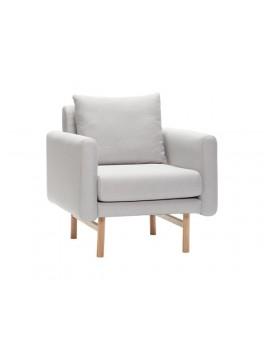 Lænestol i kvadratisk design, i lysegråt stof med egetræsben fra Hübsch-20