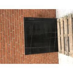 Sahara Noir Glossy / 120 x 120 cm